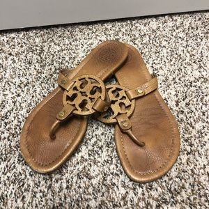 Tory Burch Classic Tan Sandals!!